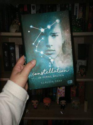 """Rezension zu """"Constellation – In ferne Welten"""" von Claudia Gray Rezensionsexemplar / Werbung (Verlinkung)"""
