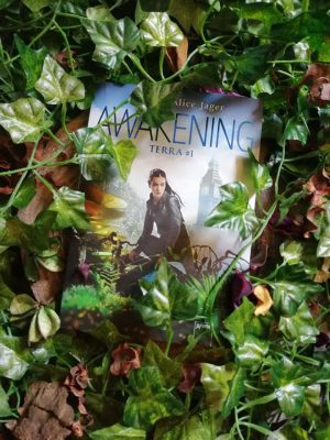 \Rezension\ Terra #1 – Awakening von Jennifer Alice Jager