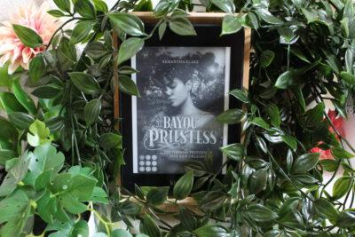 """/Rezension/ zu """"Bayou Priestess – Die Voodoo Prinzessin von New Orleans"""" von Samantha Blake"""